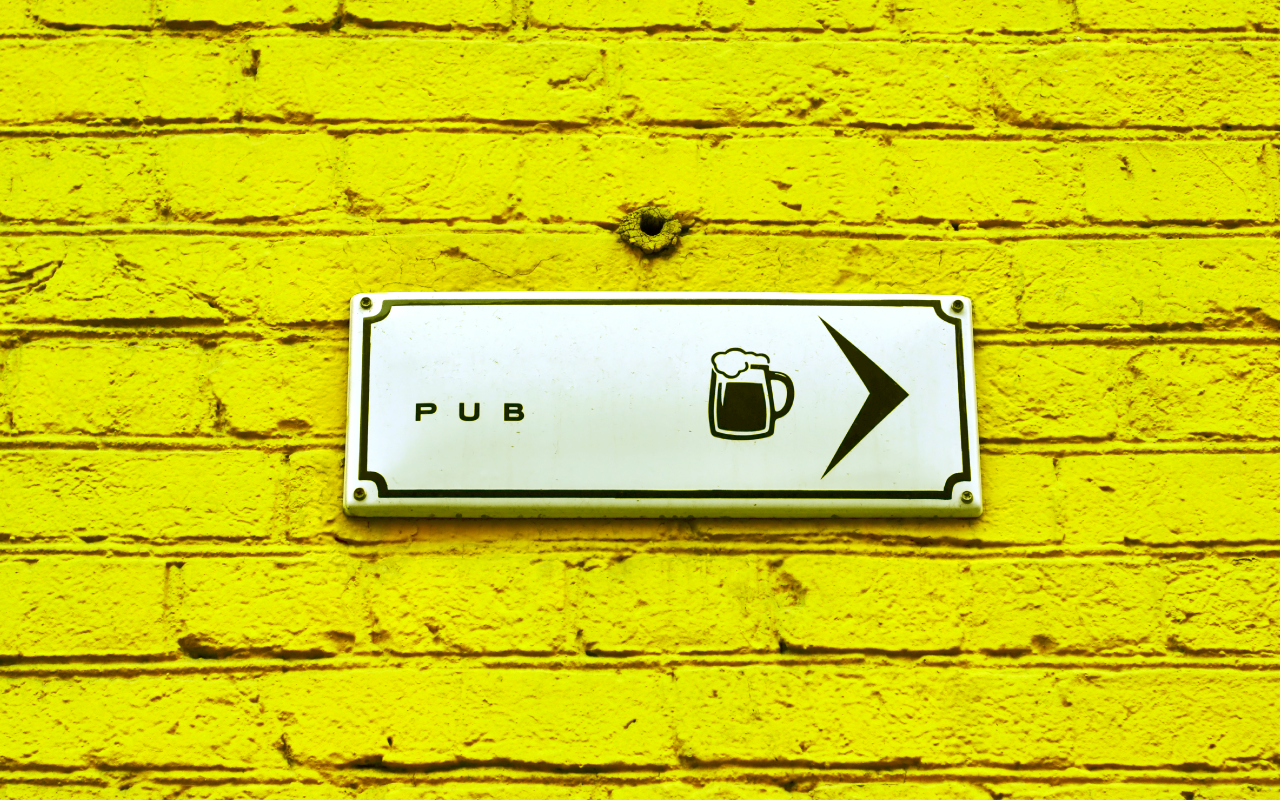 quirky-pubs-yellow